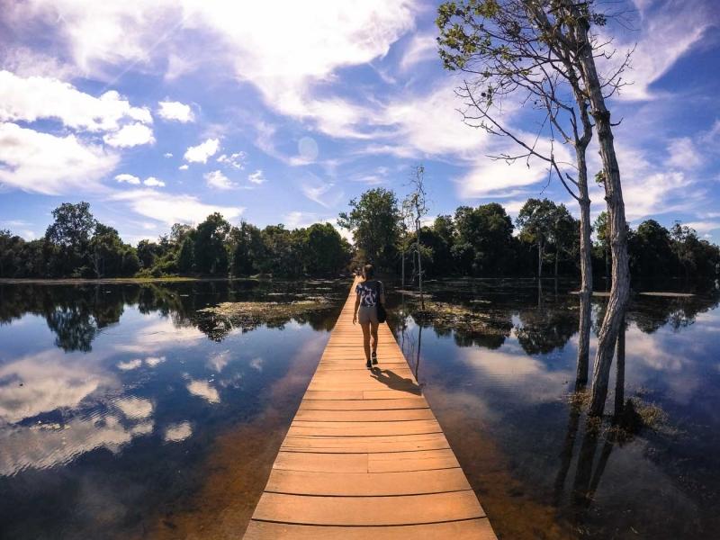 best way to visit angkor wat baray 12
