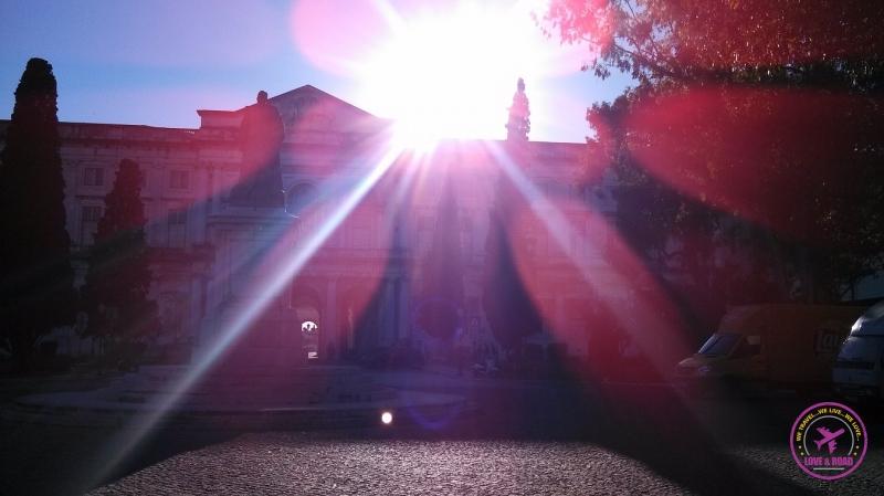 Sunset over the Palace. Pôr do sol sobre o palácio.
