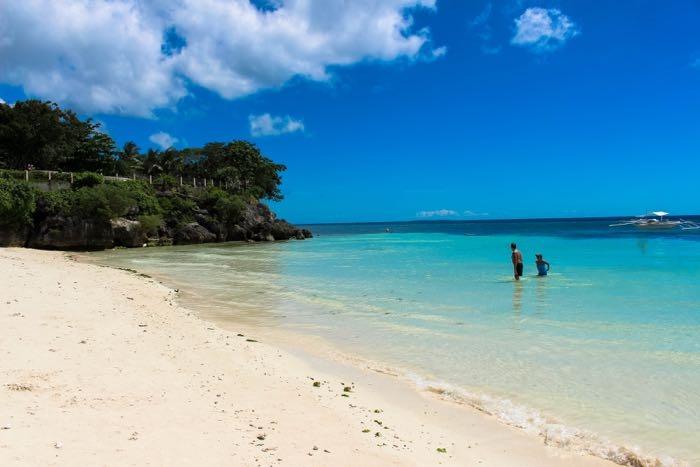 Bohol island in Philippines alona beach 2.jpg