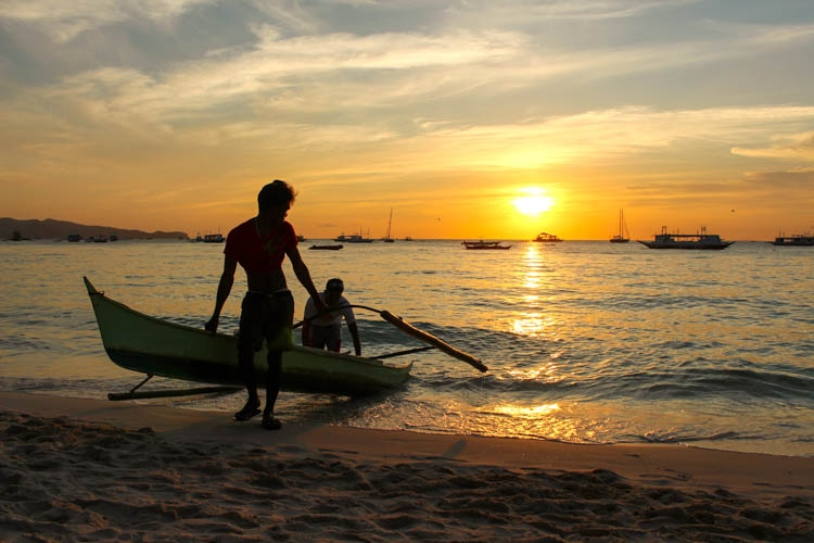 10 How Much does it Cost to Travel in Philippines boat.jpg