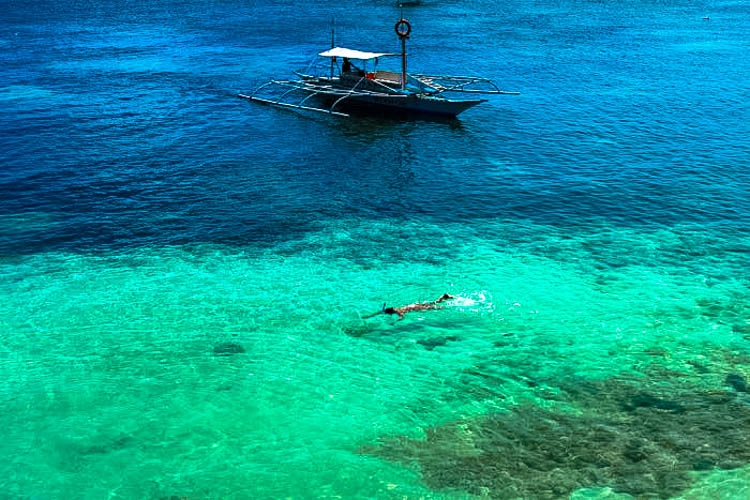 10 How Much does it Cost to Travel in Philippines sea.jpg