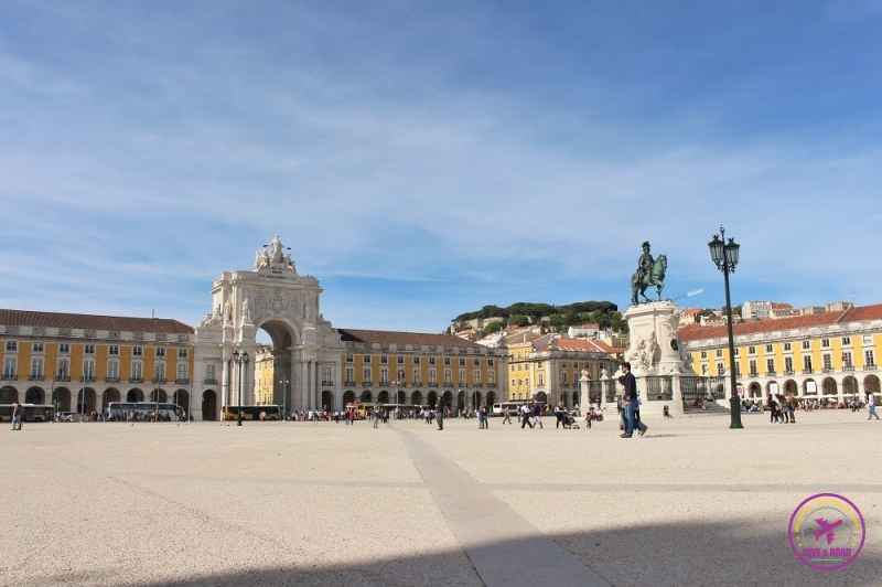 How Much is to Travel to Portugal 1