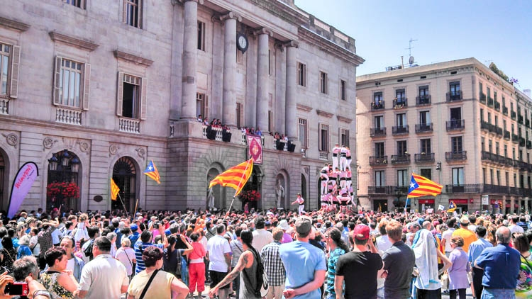 How much does it cost to travel in Spain?! Less then you imagine! Many cultural activities are free of charge!