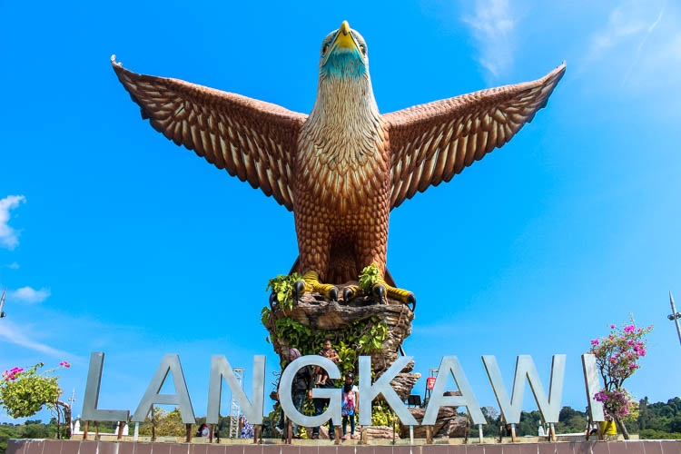 Top Things to do in Langkawi, Malaysia. Enjoy the island by air, water & land! How to get there and where to stay in Langkawi, Malaysia.