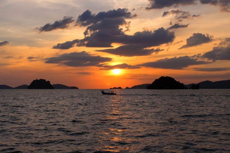 Langkawi Malaysia sunset 13.jpg