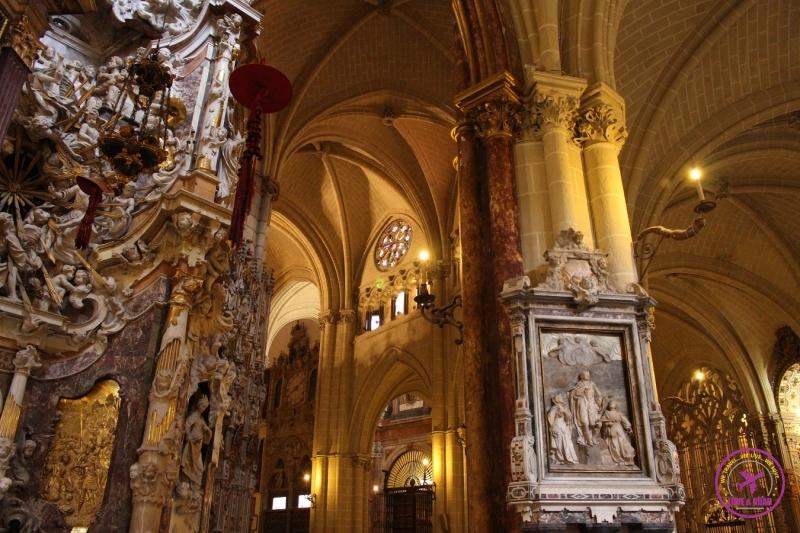 Interior da catedral de Toledo.