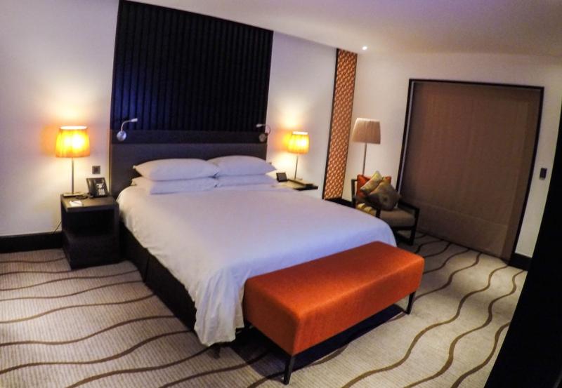 Sama sama hotel room