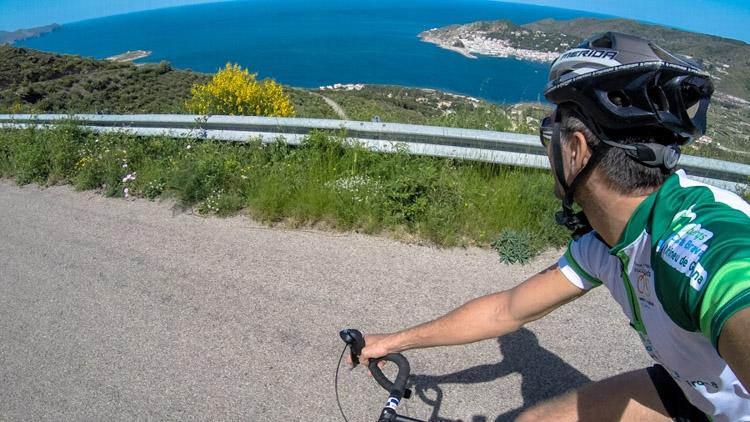homem fazendo ciclismo na Catalunya