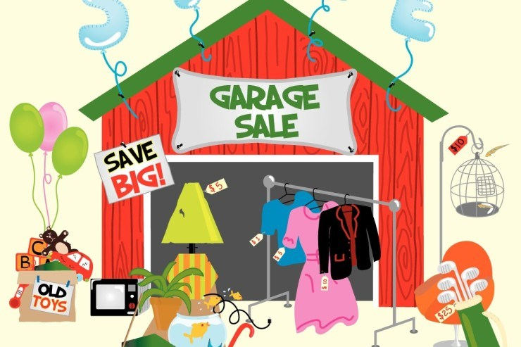 Our garage sale. Nosso bazar.
