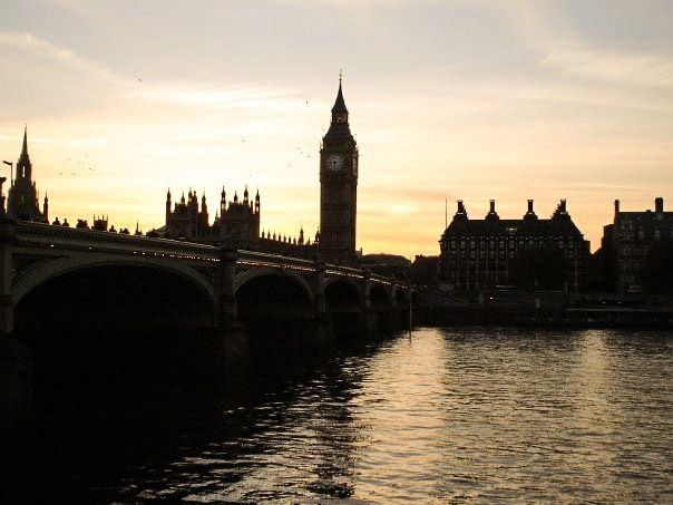 how much does it cost to travel in london 15