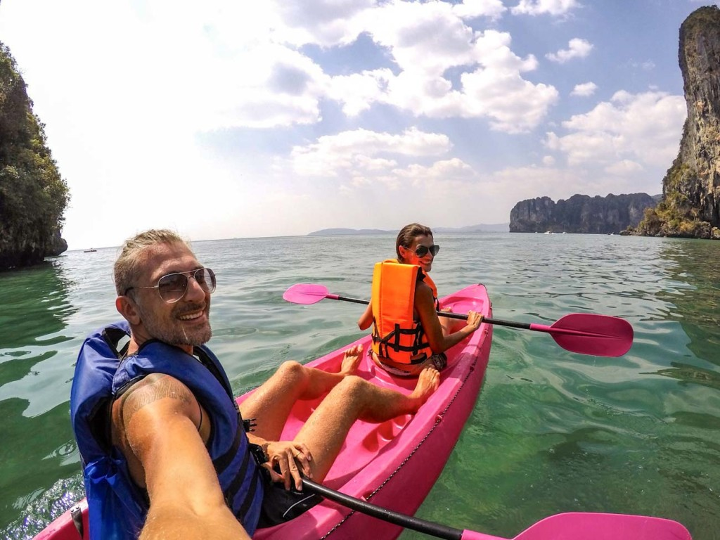 Quer saber quanto custa viajar na Tailândia? Dicas para reservar hotéis, transporte e passeios de barco pelas ilhas.