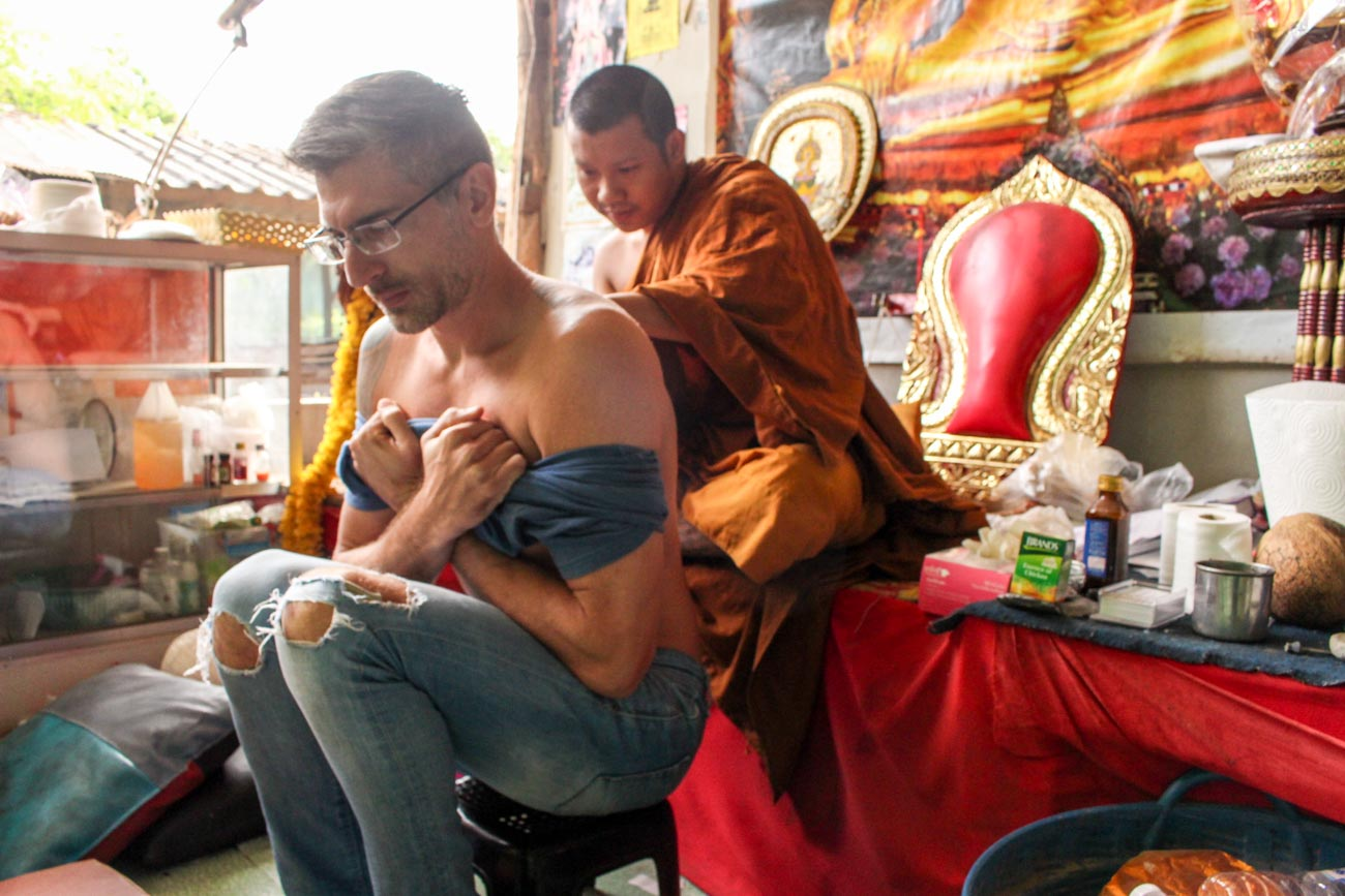 Sak Yant Blessed tattoo, the spiritual bamboo tattoo in Thailand. Where to do, how to do, the Sak Yant designs, rules, and how powerful is the experience.