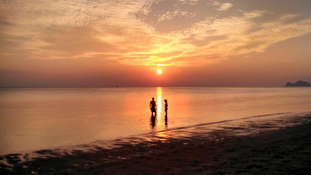 O pôr do sol nas ilhas da Tailândia é uma espetáculo a parte, lindo e majestoso!