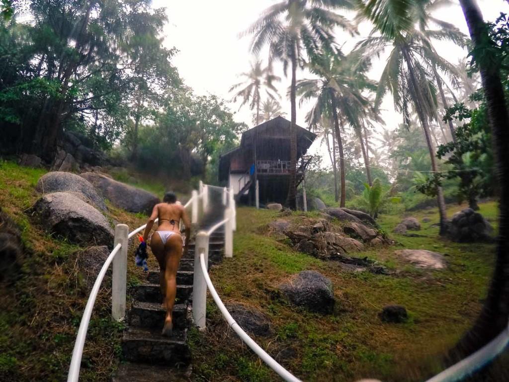 Nas ilhas da Tailândia você não precisa de muita coisa, uma cabana na montanha e de frente para o mar já é o suficiente!