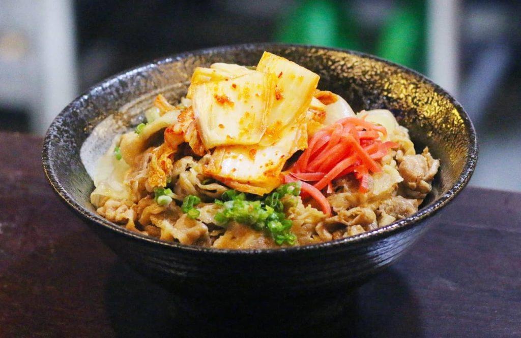 A Vietnamese bowl.