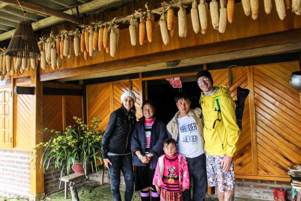 A família que nós hospedou em Sapa, Vietnã. Adoramos passar a noite na Vitoria Homestay.