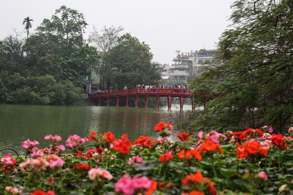 Photo of a lake in the middle of Hanoi city, a popular destination for people who want to teach english in Vietnam.