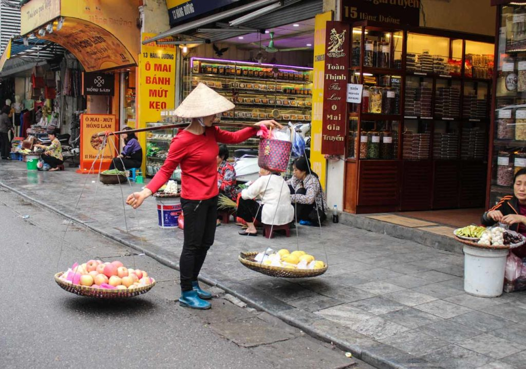 Many things to do in Hanoi is located in the Old Quarter, or French Quarter. There you can buy all types of food and local souvenirs.