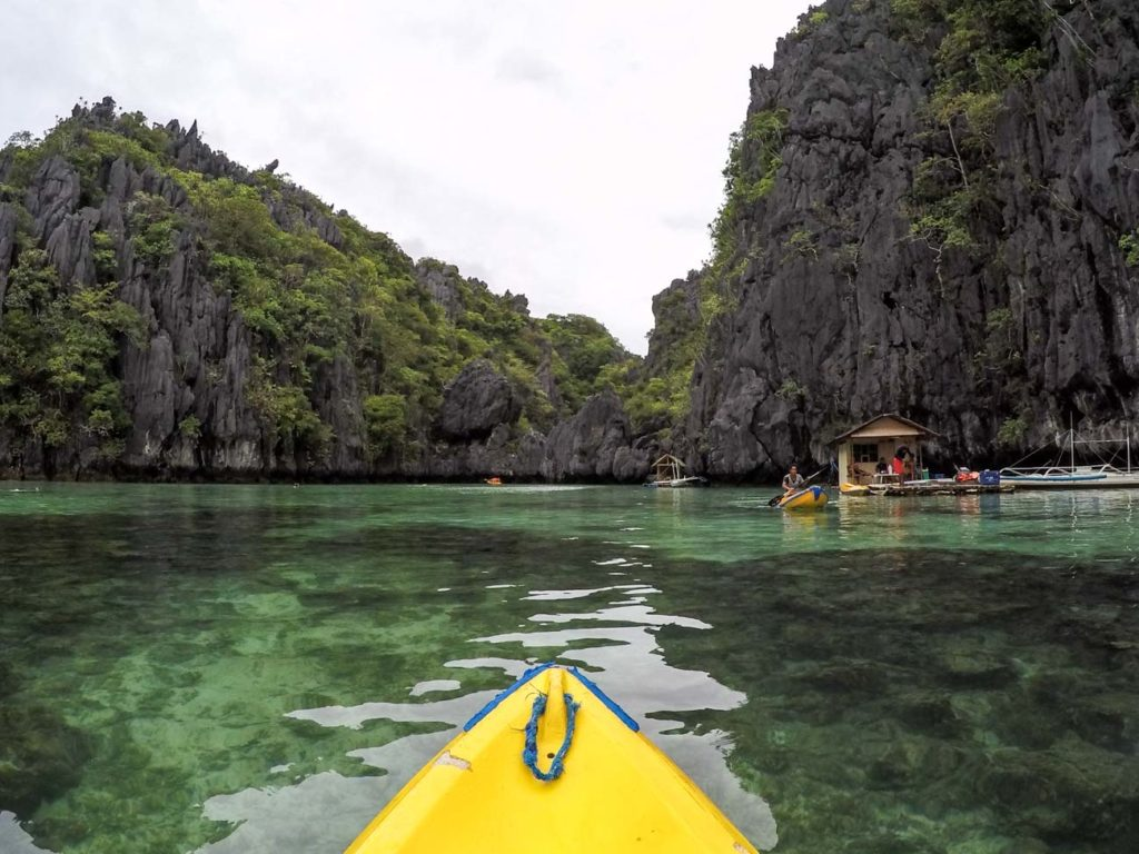 Kayaking through the small lagoon! One of the best thing to do in El Nido and in Pangulasian Island.
