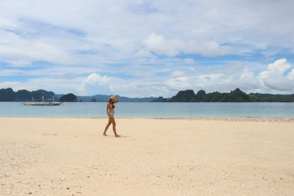 The your love to a secluded beach, El Nido is perfect for this, on of the most romantic places in The Philippines.