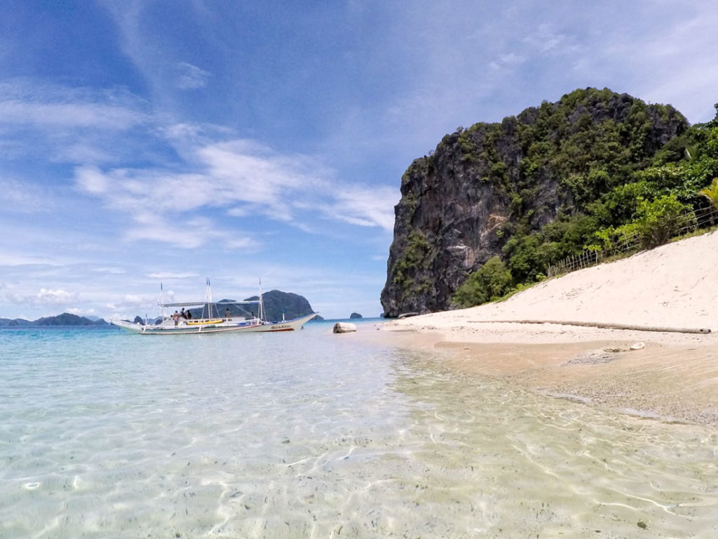 Pangulasian Island in El Nido is one of the most luxurious and romantic places in The Philippines.