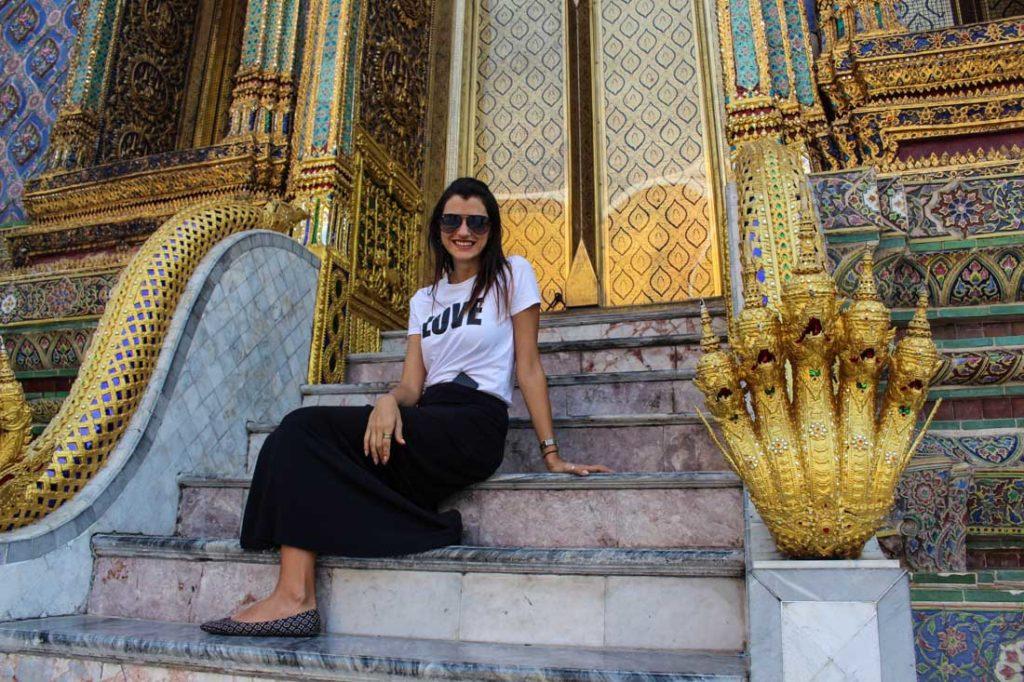 Dicas de Viagem para o Sudeste da Ásia: Leve roupas adequadas para visitar os templos.