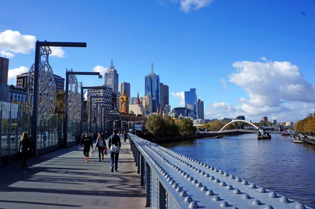 Reunimos dicas de quanto custa viajar na Austrália, incluindo transporte.