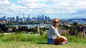 Carolin Pilligrph autora do post Quanto custa viajar na Austrália.