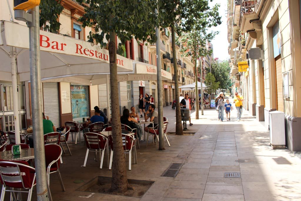 Discover 10 hidden restaurants, the best place to eat out in Barcelona, Spain