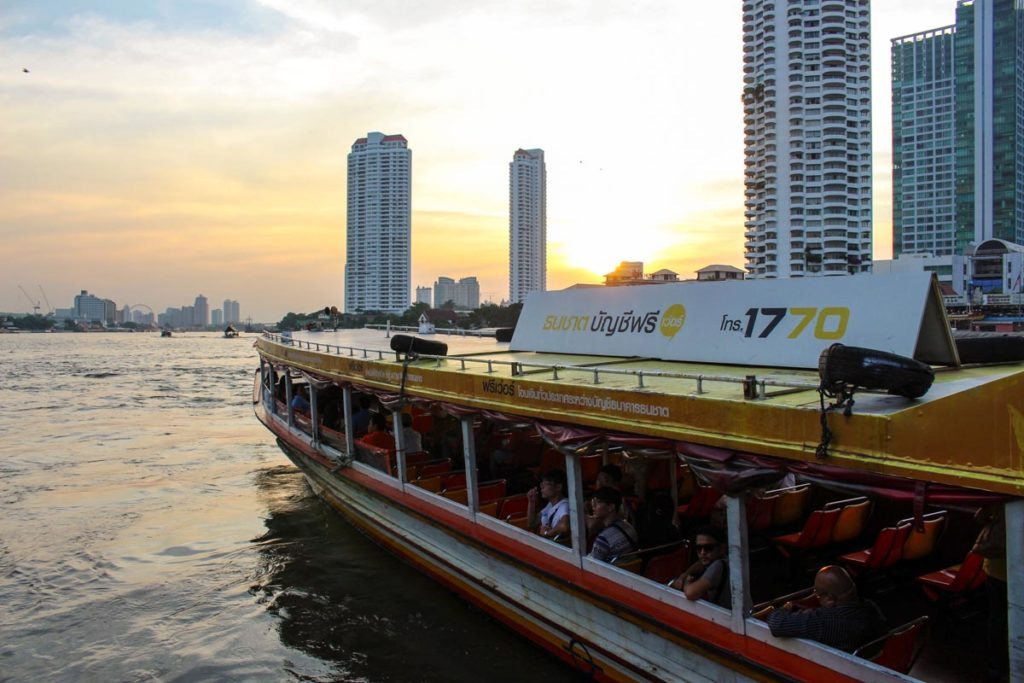 On your first time in Bangkok: what to do? You must cruise on the Chao Phraya River.