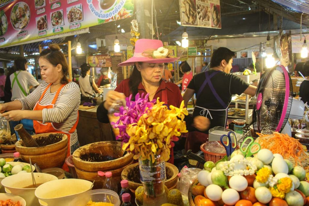 lat mayom floating market, floating market, local attraction, things to do, bangkok