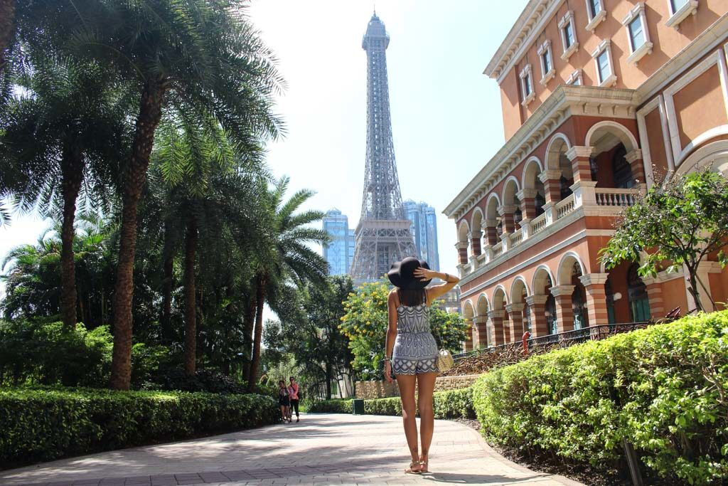 Macau tourist spots includes de huge casinos and the great architecture you find at Cotai Strip.