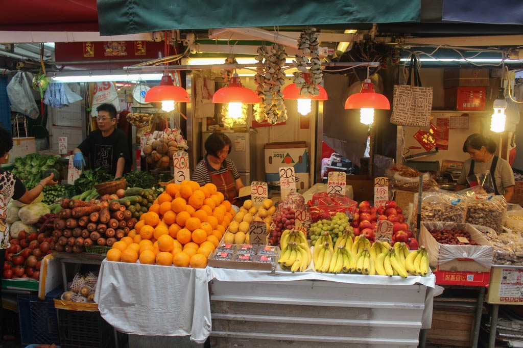 Our Hong Kong itinerary had some local experiences as visiting one traditional wet market.