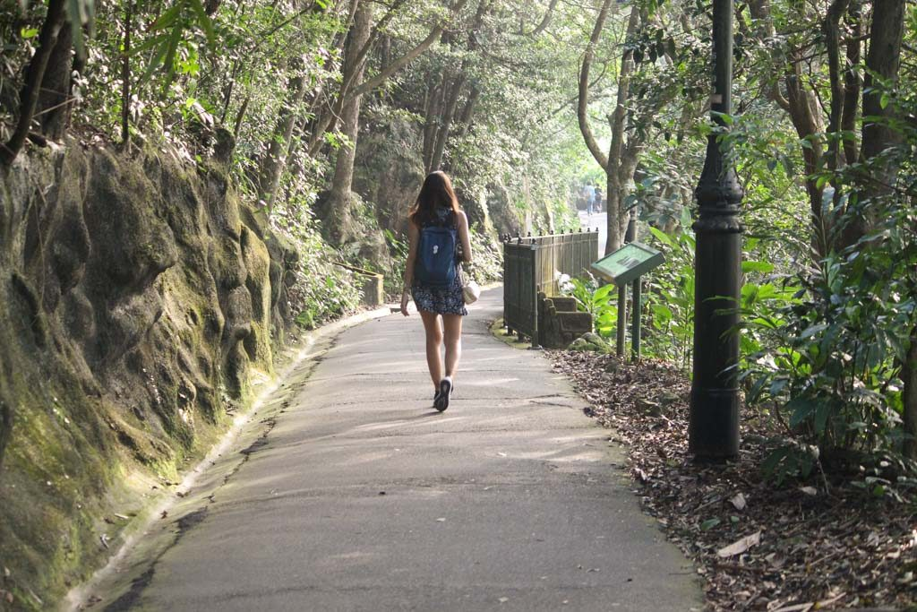 If you like nature, put on your Hong Kong itinerary the The Hong Kong Trail around The Peak.