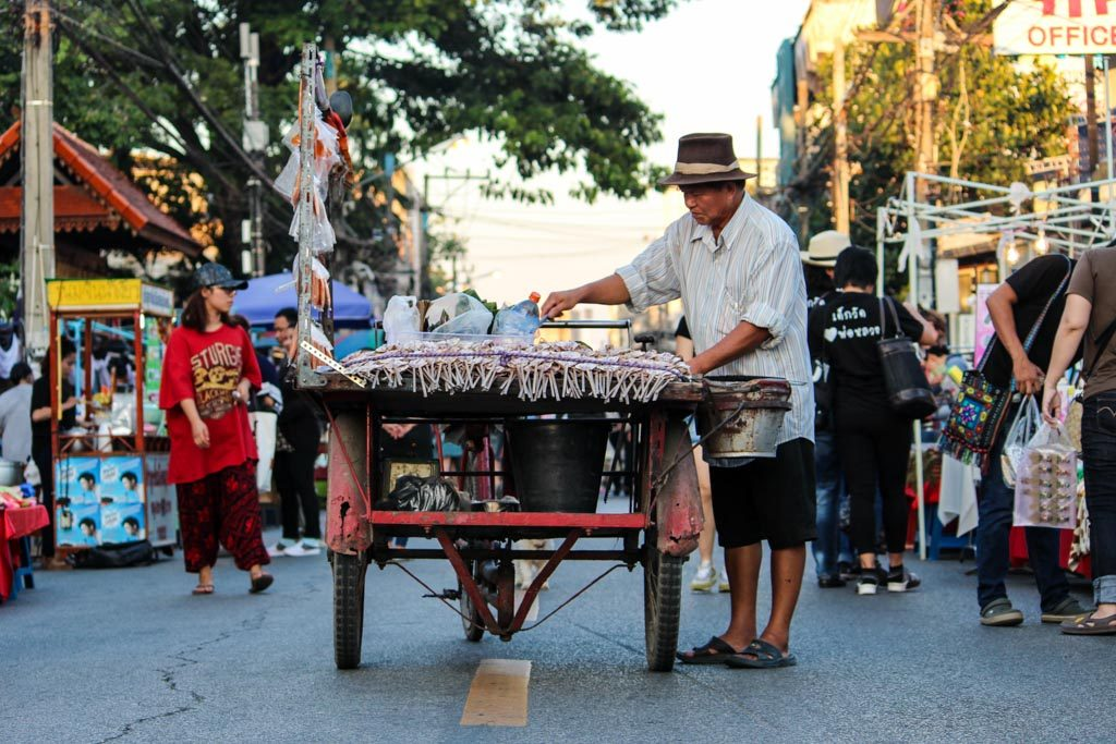 What to do in Chiang Mai on a Saturday? Go to the Saturday Night market for some bargains!