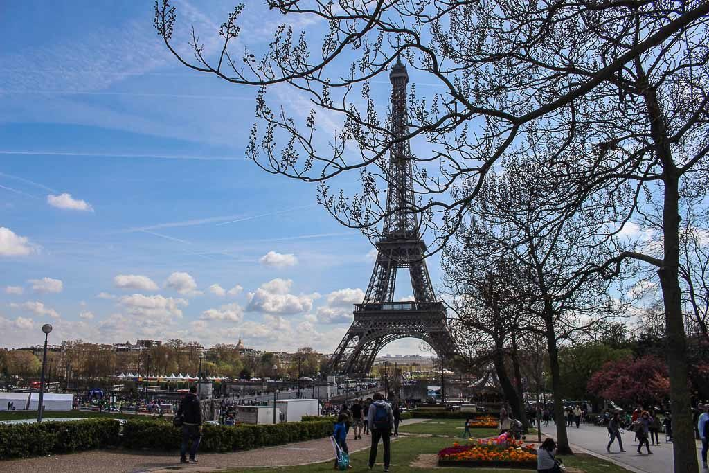 There are so many romantic things to do in Paris, here are our favorite.