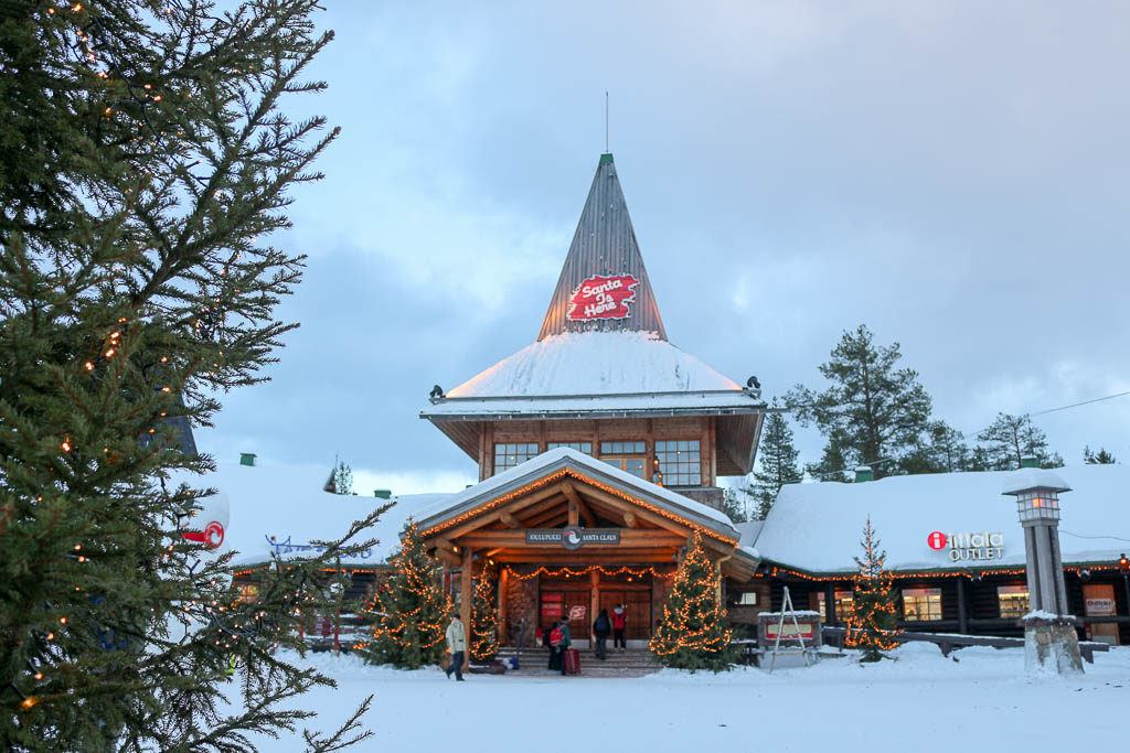 Rovaniemi is the official address of Santa Claus. In the Finish Lapland you can visit the Santa Claus Village.