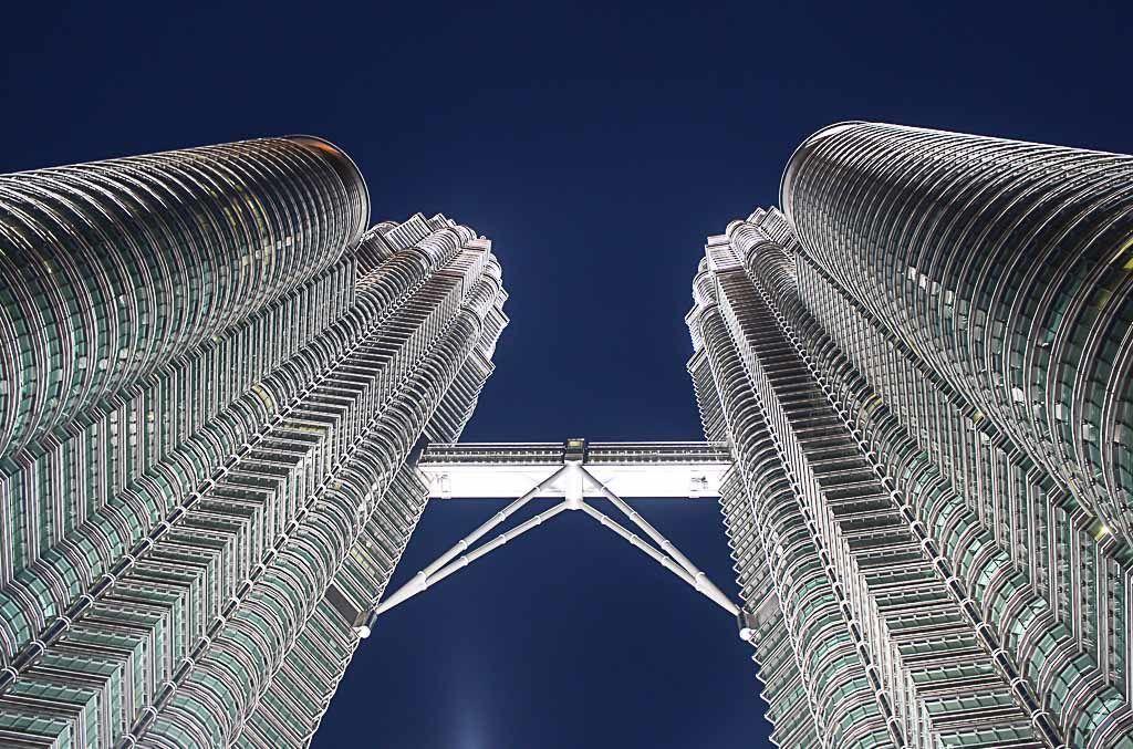 As torrers Petronas são sem dúvida a principal atração de Kuala Lumpur, Malásia.