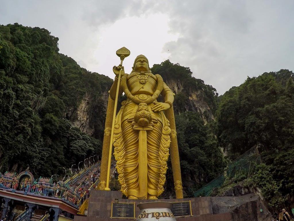 No seu roteiro de um dia em Kuala Lumpur n'ao pode faltar uma visita a Cavernas Batu.