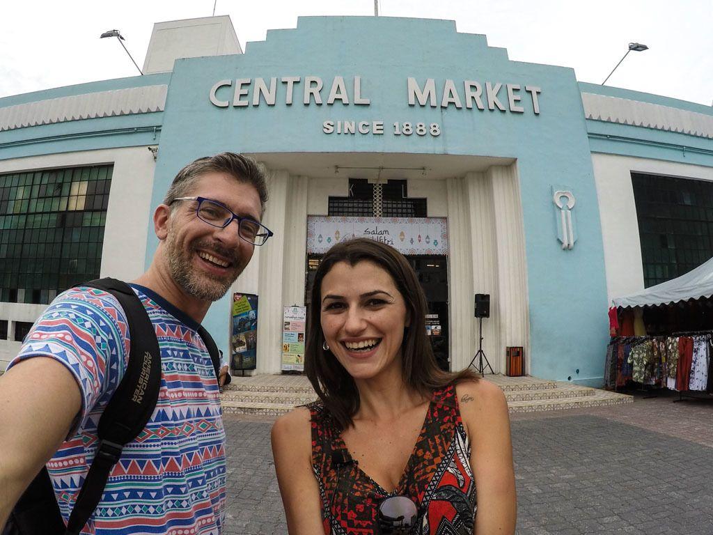 Durante o seu dia em Kuala Lumpur, dê uma passadinha no Mercado Central.