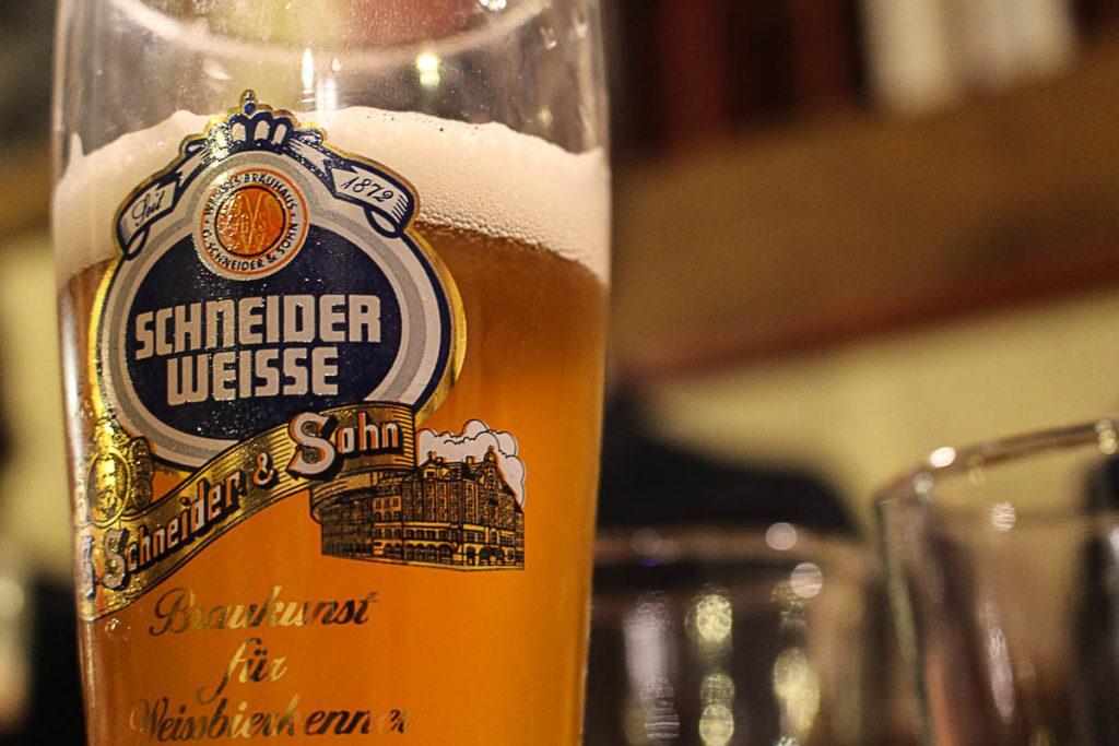 Uma das melhores coisas para fazer em Praga é ir ao Beer Tour e provar uma cerveja local e deliciosa.