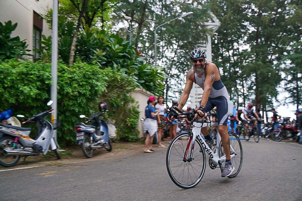 O percurso de bike to Ironman 70.3 Tailândia foi bem técnico e desafiador.
