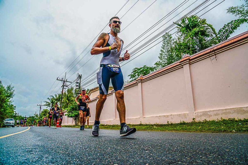 O percurso de corrida do Ironman Tailândia foi praticamente plano.