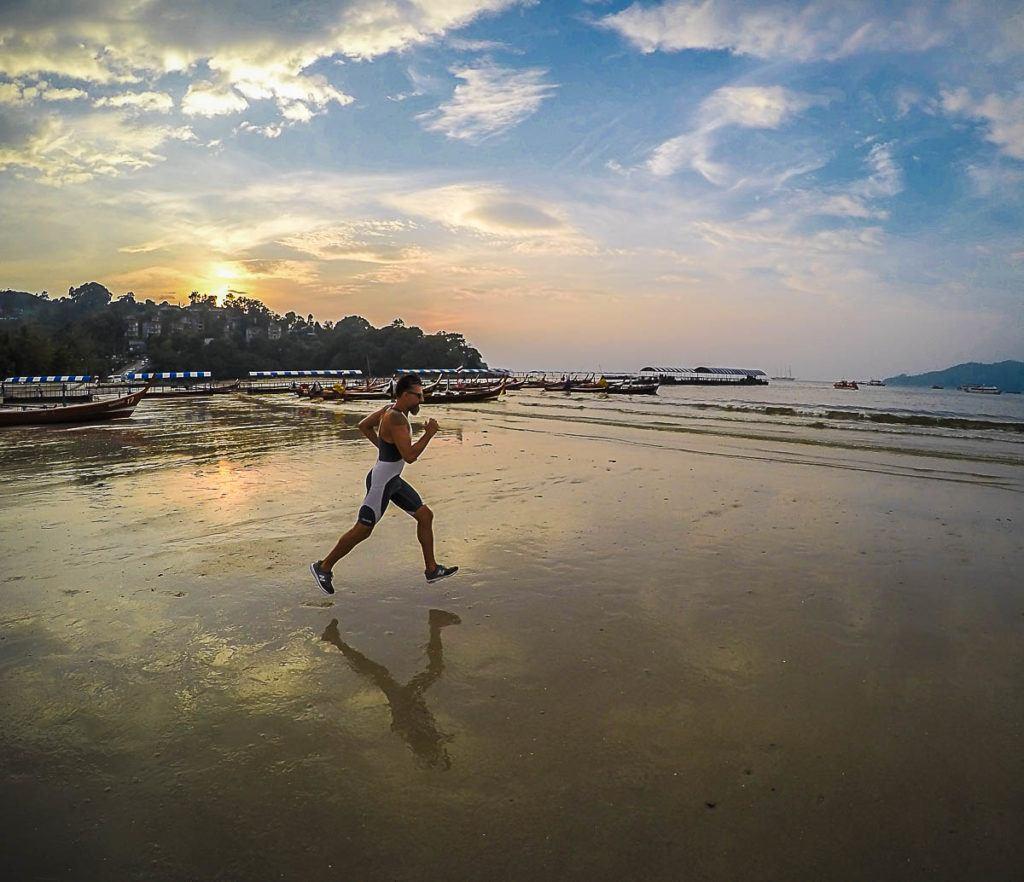 Nesses 3 anos de viagem pelo mundo competi em várias provas de triathlon e corridas, e o Ironman da Tailândia fo uma das provas mais bonitas.