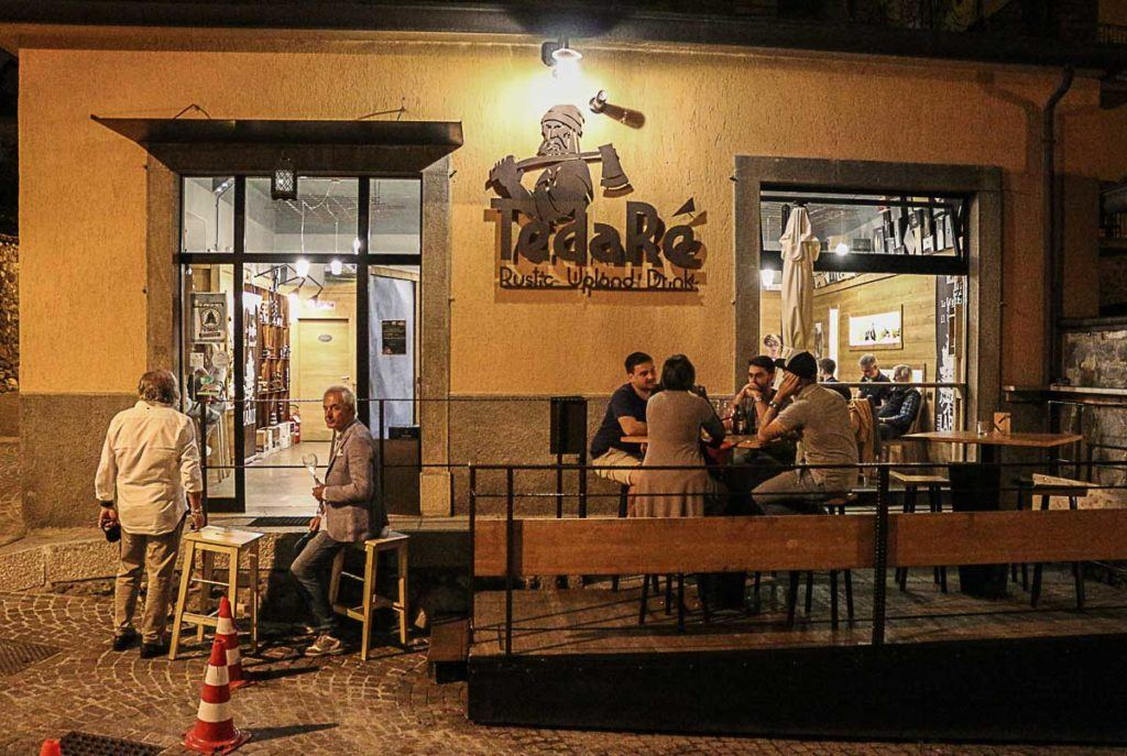 One of our favorite bar in Borno is the Tedaré, great for a happy hour.