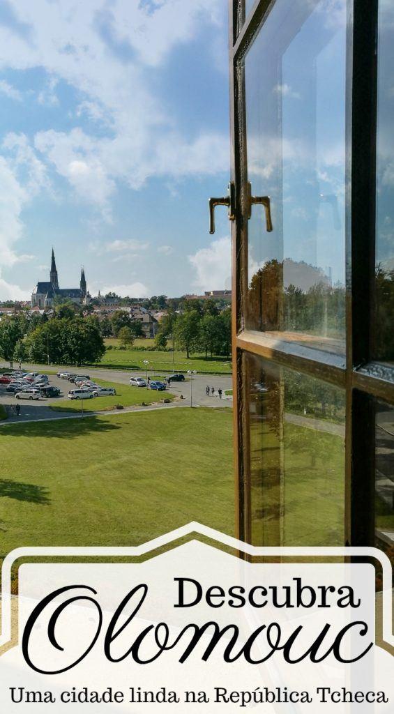 Olomouc é uma cidade linda e escondida na República Tcheca. Um destino ainda pouco conhecido mas cheio de belezas e história. Fizemos um guia com todas as dicas de Olomouc. Onde ficar, o fazer em Olomouc, melhores restaurantes e como chegar lá. Tudo o que você precisa saber para planejar sua viagem, conhecer Olomouc e a região da Morávia Central na República Tcheca. #Olomouc #RepublicaTcheca #Viagem #DicasdeViagem #Europa #RoteirodeViagem #Czechia