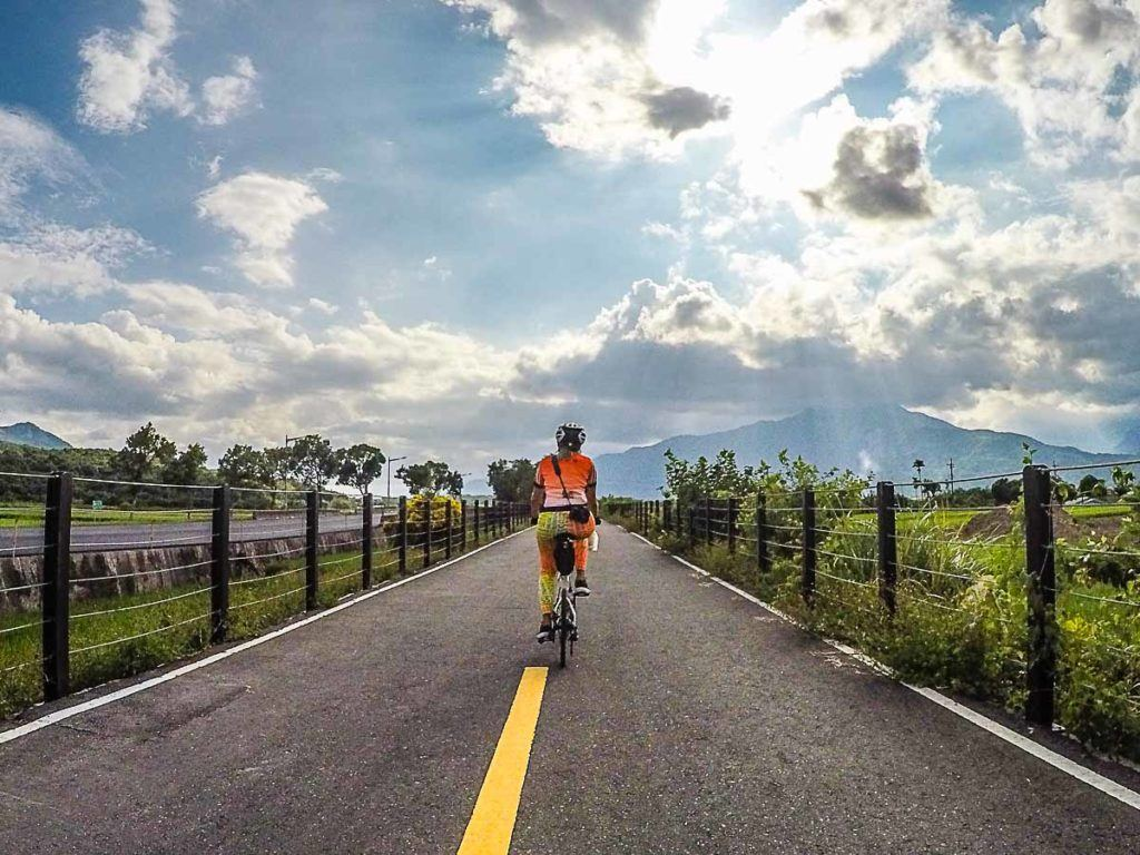 The Yufu Cycling Pathway was on our itinerary during our cycling trip in Taipei. A former railway tracked turned into a cycling path.