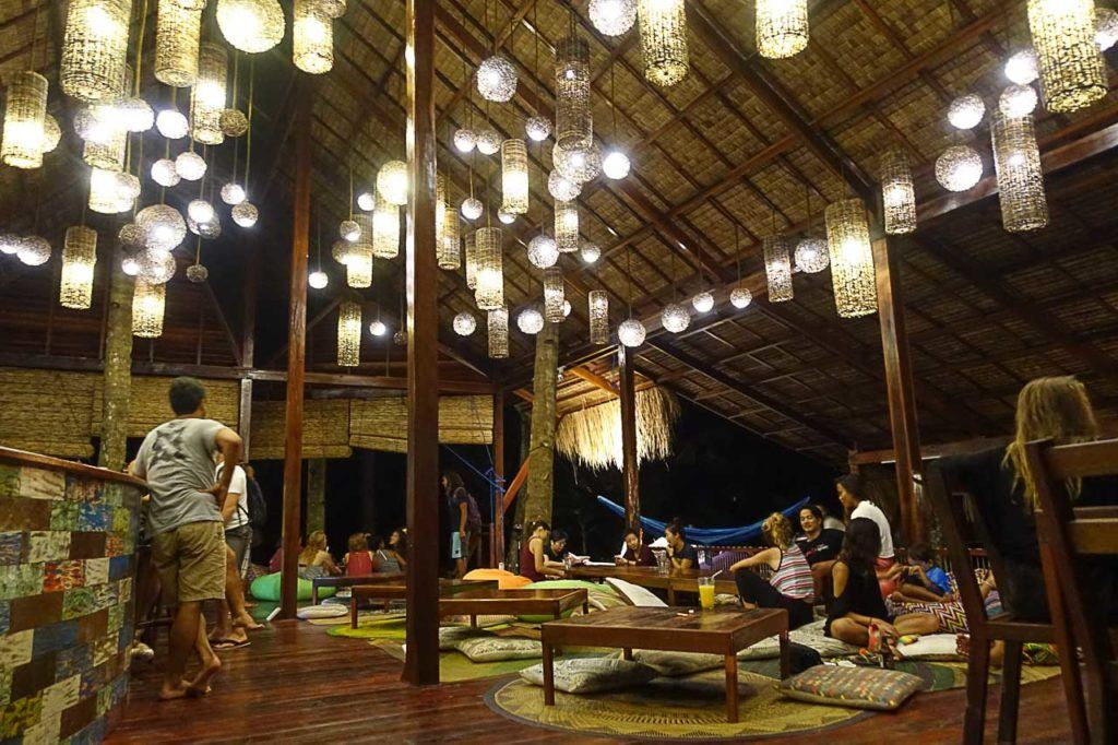 There are plenty of places to eat in our Siargao travel guide, some hotels have nice restaurants where you can go for a drink, a meal or even a night out.