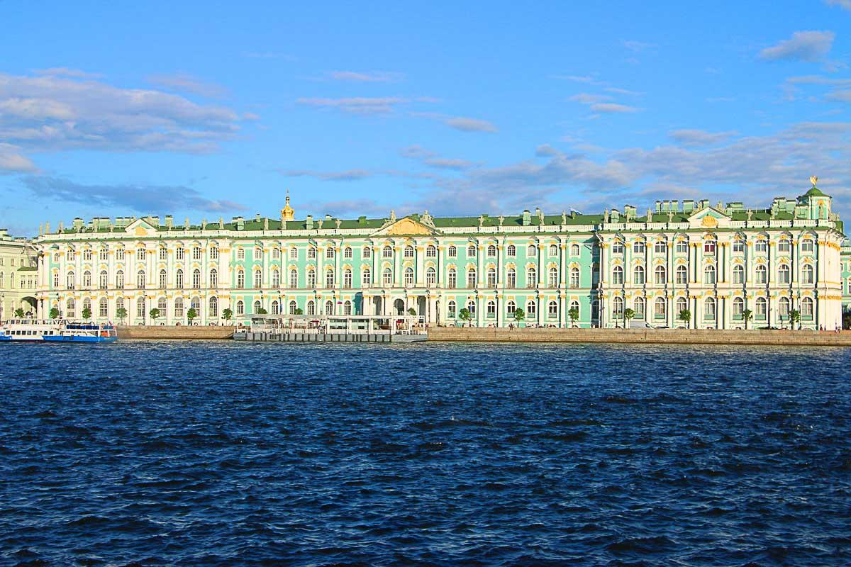 Em um dia em São Petersburgo você não vai conseguir visitar todos os museus, então escolha seus favoritos. Adicione-os ao seu itinerário de lugares a visitar em São Petersburgo e divirta-se.