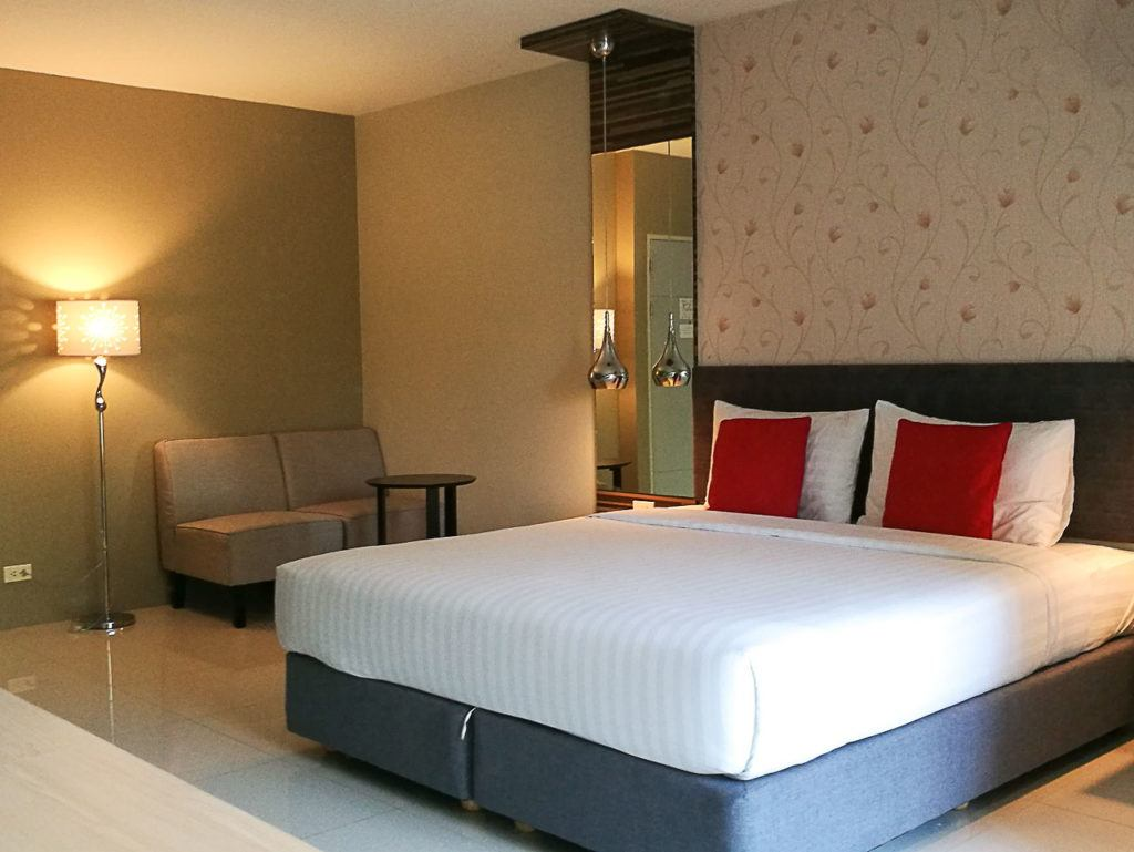 We are not only sharing the tips of what to in Hat Yai, but also the best places to stay in the city. Check out our favorite hotels in Hat Yai.